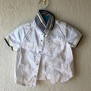 FIRST IMPRESSIONS | 6-9m White Button down Tee EUC